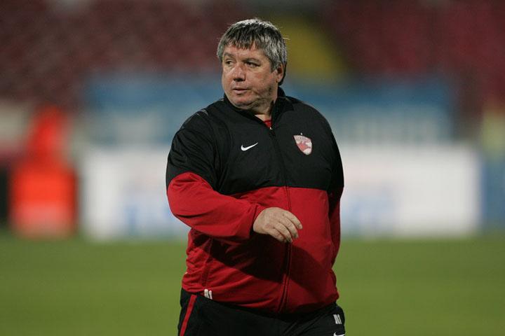 Talnar a fost si jucator si antrenor la Dinamo si este finul lui Cornel Dinu