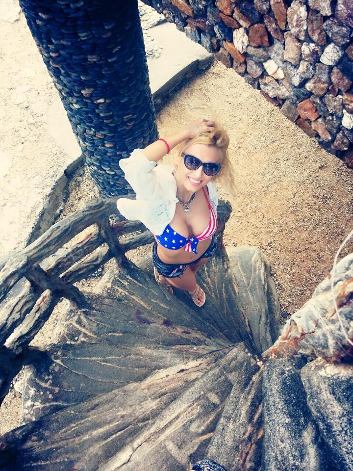Andreea Balan se distreaza in Filipine