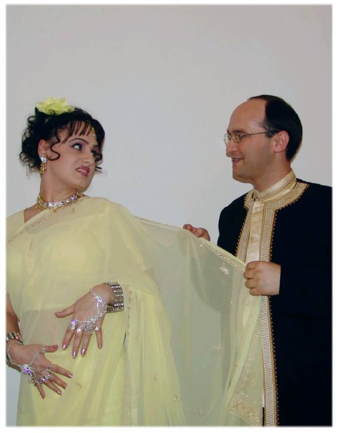 Krishna si Rukmini sunt singurii cantareti de muzica indiana din tara