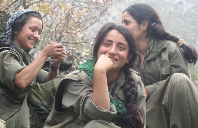 Pana si femeile luptau in trupele de guerila ale PKK