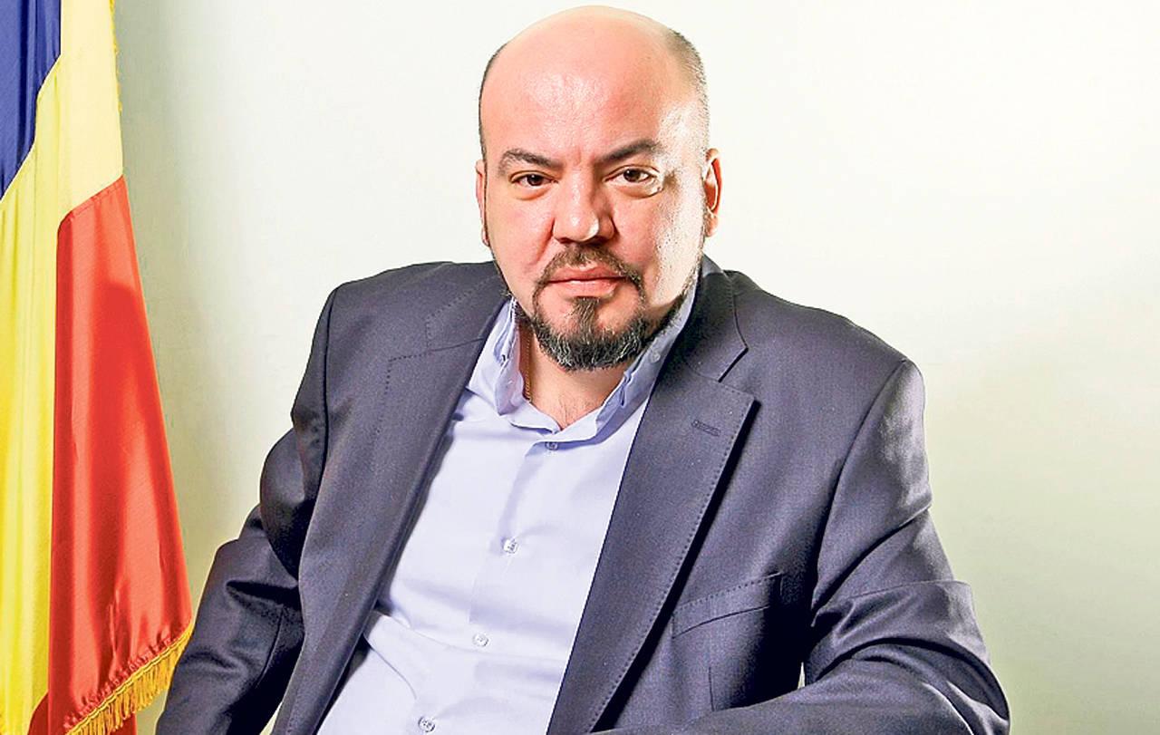 Istoricul Florian Bichir a cercetat ani in sir arhivele CNSAS, descoperind toate dosarele pe care Securitatea i le-a