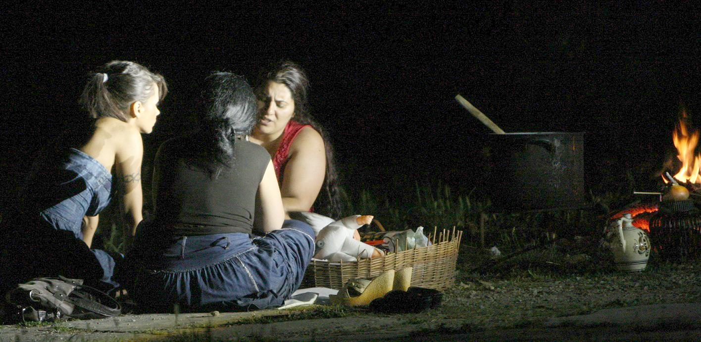 Oana Zavoranu a fost supusa unui ritual in aer liber