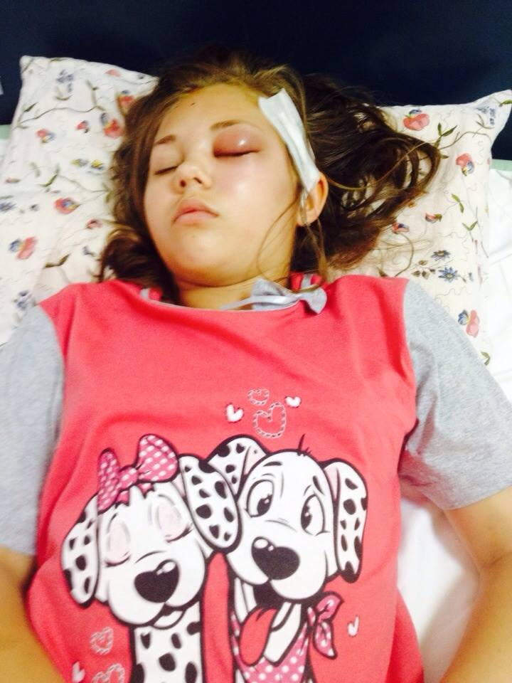 Andreea va pleca maine la o clinica din Tel Aviv