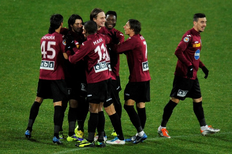 Din cauza restantelor financiare, clubul CFR Cluj a fost penalizat cu 24 de puncte.