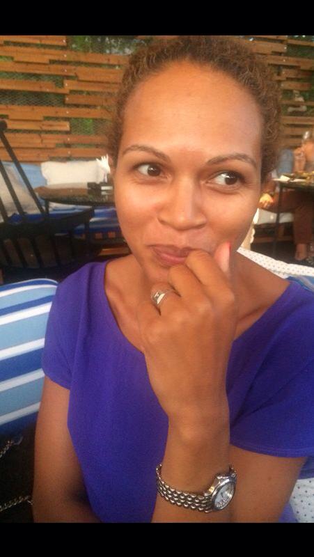 Florina Fernandes a renuntat la televiziune si s-a dedicat familiei