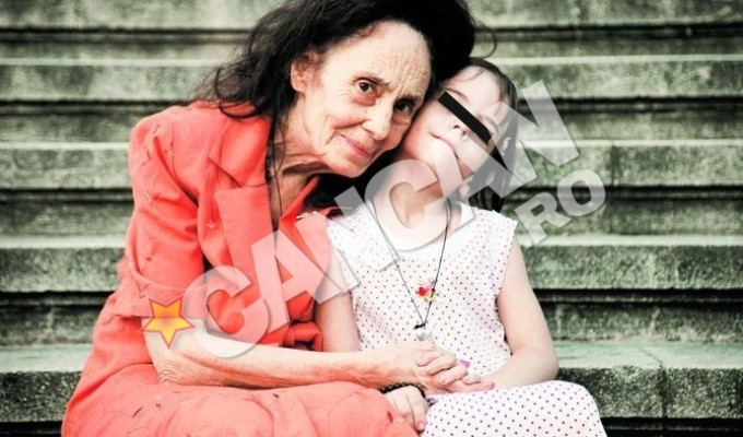 Adriana Iliescu impreuna cu fetita ei