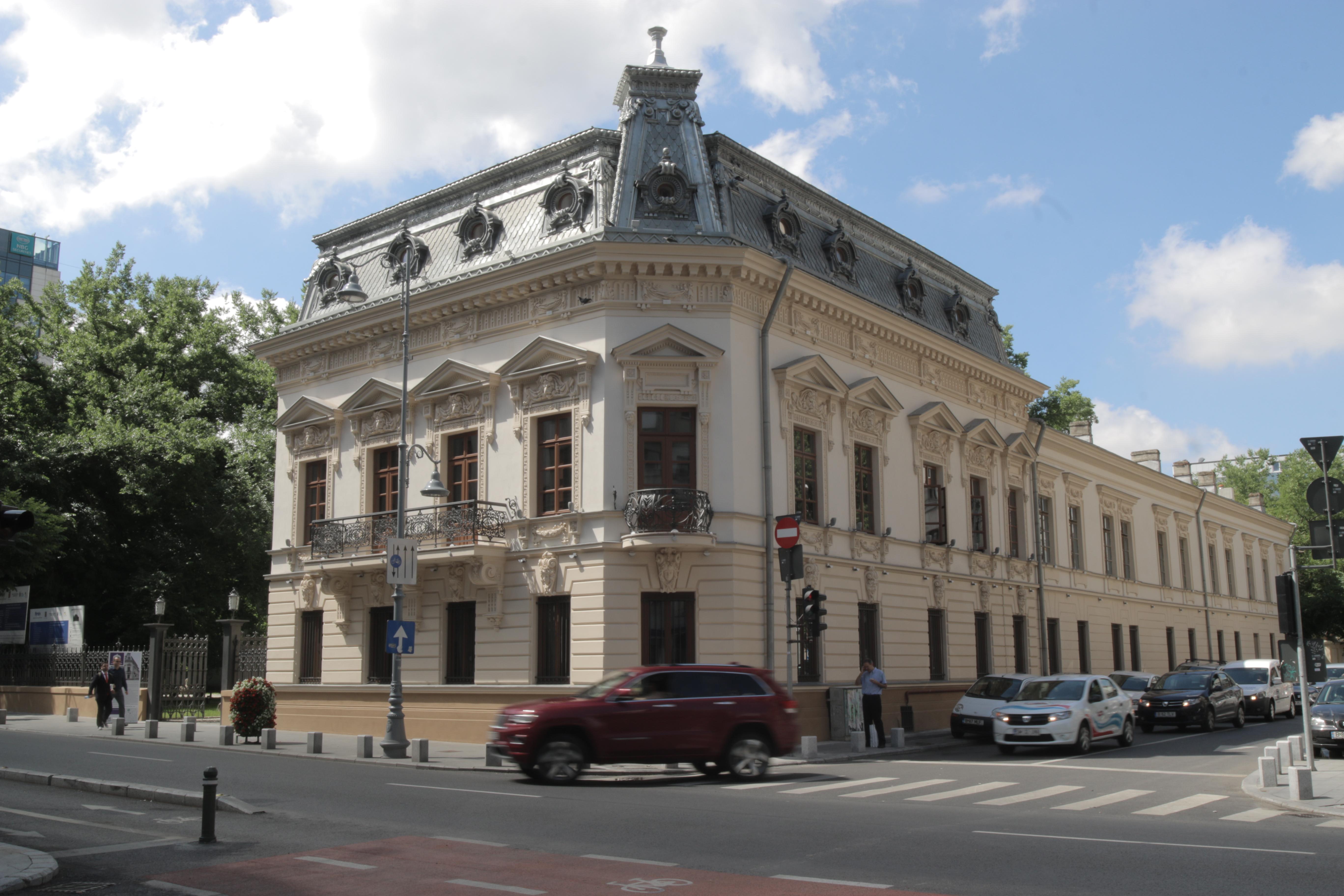 Casa Cesianu este unul dintre cele patru monumente istorice care este reabilitat de Primaria Capitalei