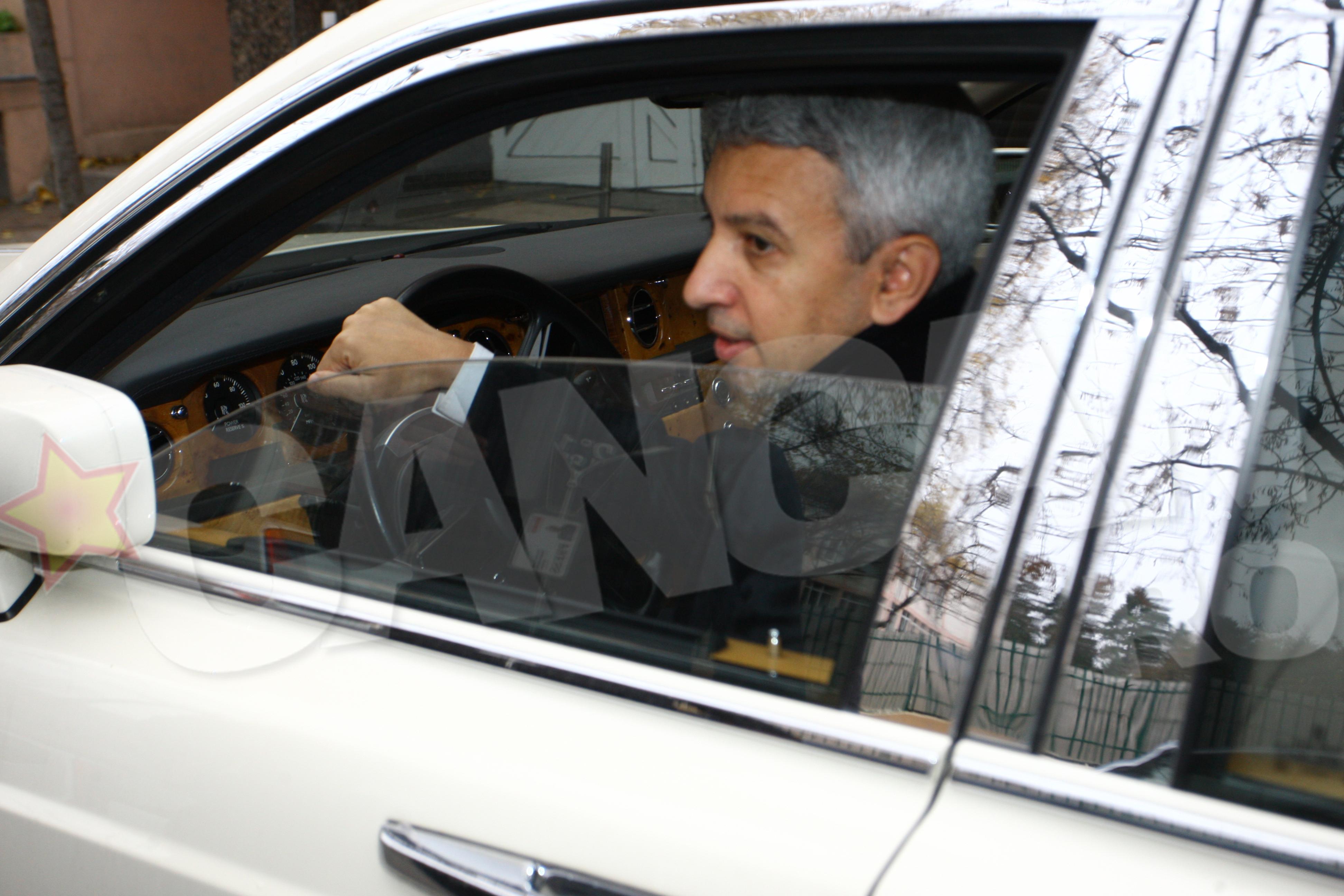 Dupa ce a votat, Diaconescu a stat de vorba cu jurnalistii
