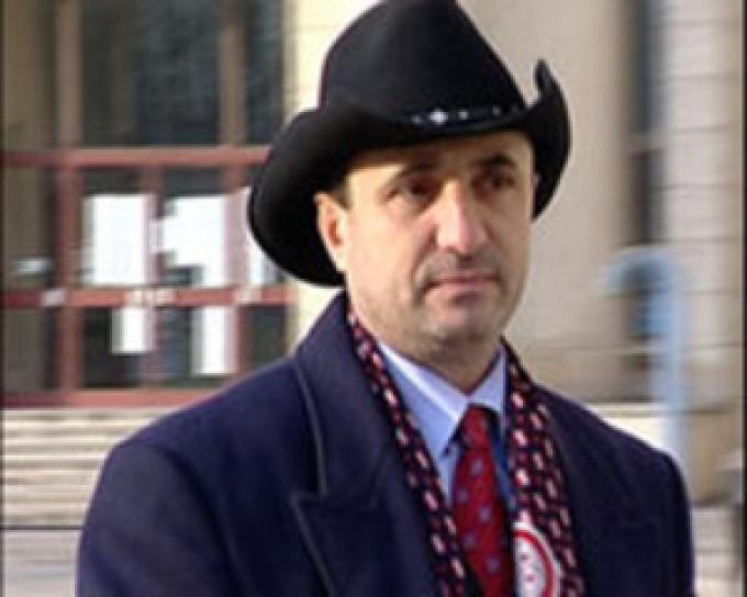Florian Anghelescu s-a sinucis in 2006