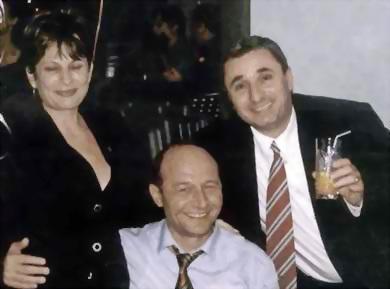 Familia Anghelescu alaturi de fostul presedinte Traian Basescu