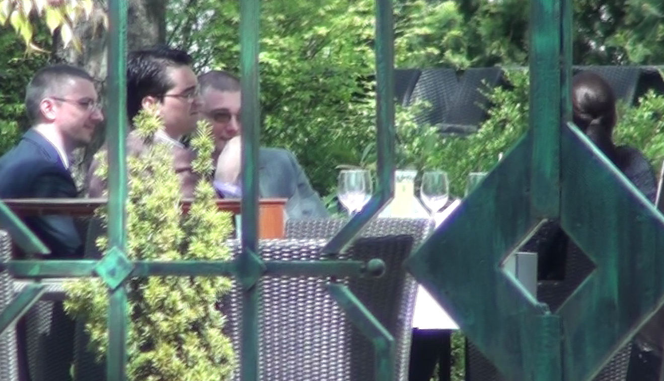 Radu Visan (in dreapta) l-a urmat pe Razvan Burleanu si la intalnirea cu Saftoiu si la Federatie