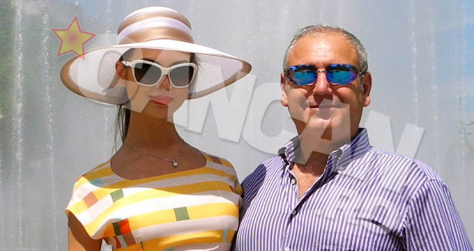 Milionarul, impreuna cu sotia lui, de 26 de ani