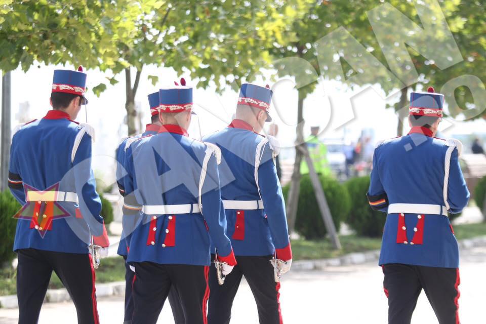 Politistul va fi inmormantat cu onoruri militare