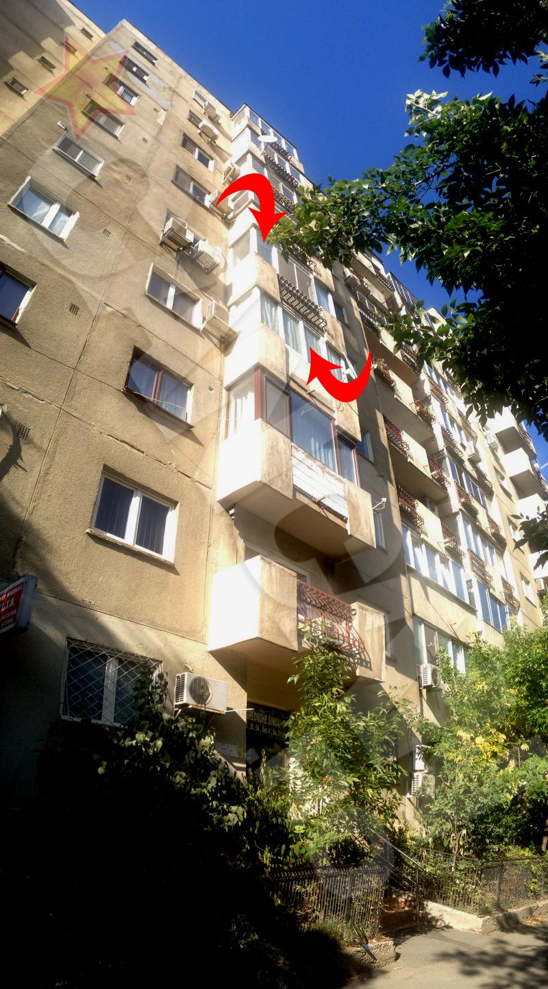 La etajul trei a locuit Mihai Balasescu alaturi de a treia nevasta, iar un etaj mai sus stateau fiul ei si a doua nevasta