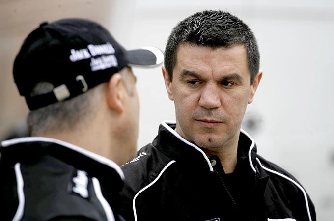Dupa ce s-a retras din box, Mihai Leu s-a apucat de automobilism