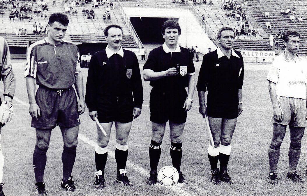 Gheorghe Burleanu (in dreapta) la un meci cu Dinamo