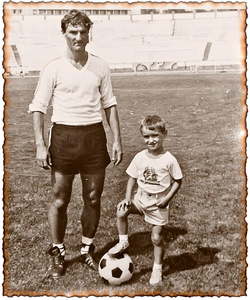 Gheorghe Burleanu si fiul sau Razvan, pe atunci in varsta de doar cativa ani