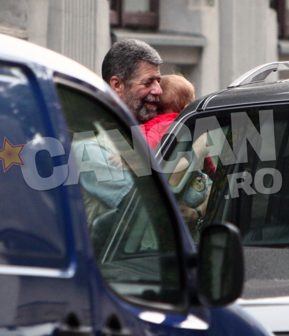 Atunci cand se afla alaturi de nepotul sau, Radu Pricop senior este in culmea fericirii