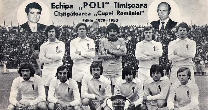 Leonida Nedelcu (al doilea de la stanga la dreapta in randul de jos) a castigat Cupa Romaniei cu Politehnica Timisoara