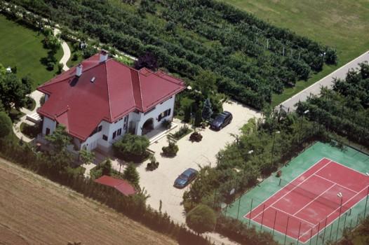 Proprietatea guvernatorului BNR vazuta din aer (foto:wikimapia.org)