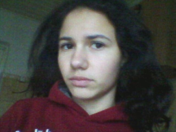 Raluca Munteanu, eleva care sustine ca a fost violata de sapte tineri