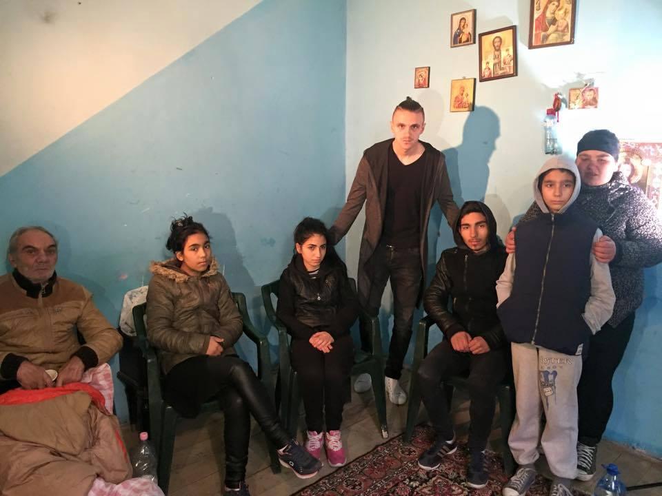 Fotbalistul Bogdan Gvarila a ramas impresionat de drama celor cinci copii ramasi orfani dupa ce mama lor a murit in tragedia Colectiv.