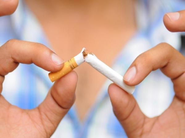 Fumatorii pot primi sanctiuni grave la serviciu, daca isi aprind tigara