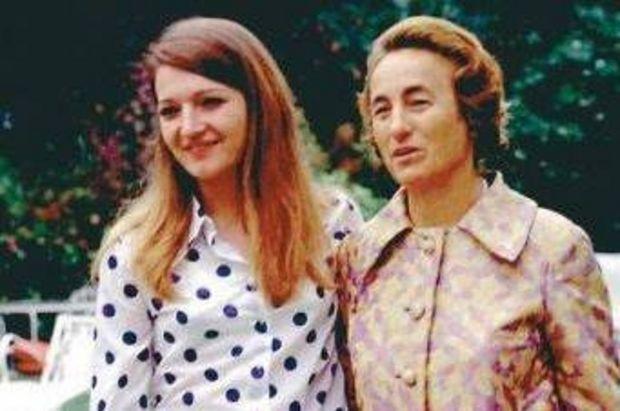 Zoia Ceauşescu, alături de mama ei, Elena Ceauşescu