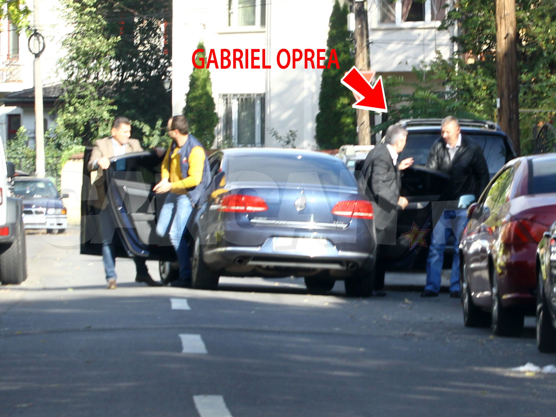Gabriel Oprea a debarcat în siguranţă, acasă