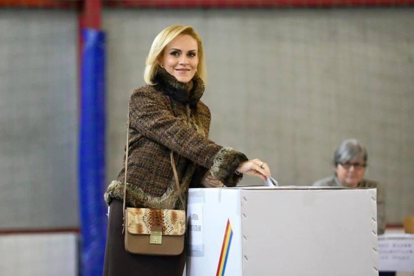 Social democraţii au aşteptat rezultatul alegerilor în sediul din Băneasa