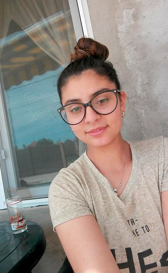 Iasmina are 14 ani şi este dispărută de mai bine de 24 de ore de acasă.