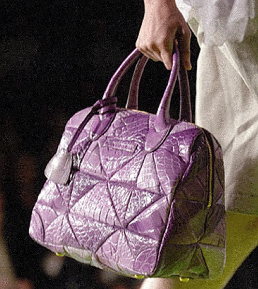 #10 Marc Jacobs Carolyn Crocodile Handbag - 38.000 de dolari