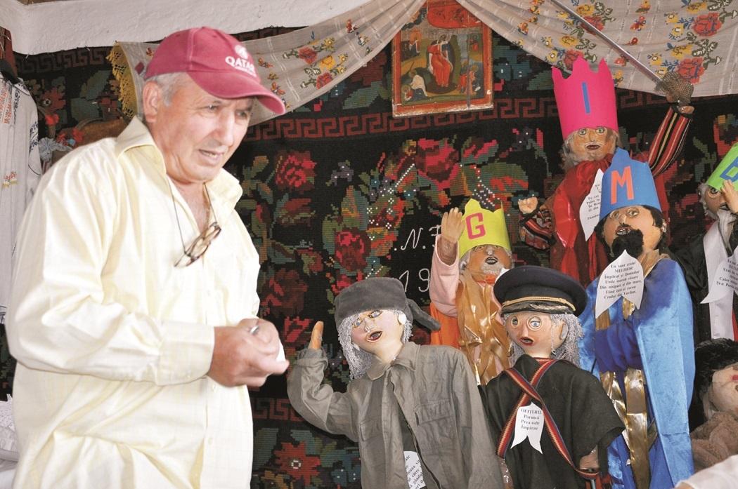 Victor Simion a transformat casa în atelier de meşteşugărit pentru copiii de la grădiniţă