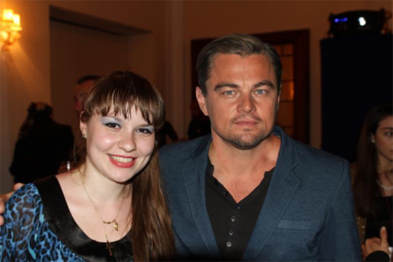 Alături de Leonardo DiCaprio