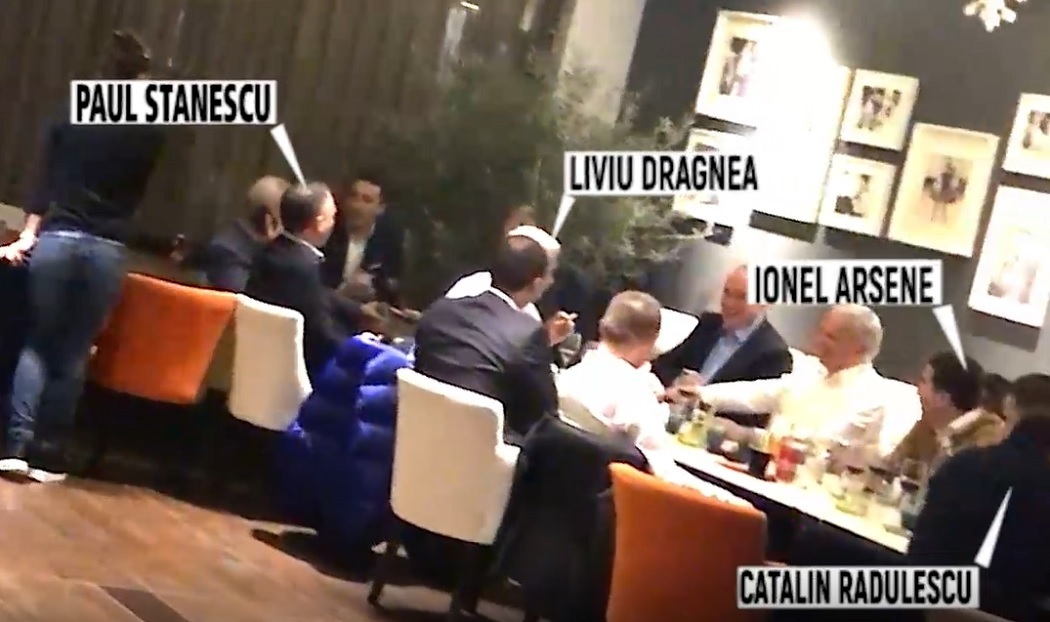 Imagini din timpul întâlnirii de taină