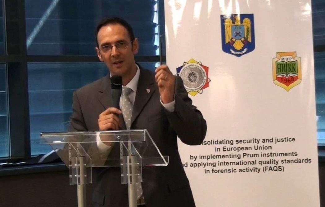 Cea mai eficientă armă a Poliţiei este creionul, spune Florin Lăzău