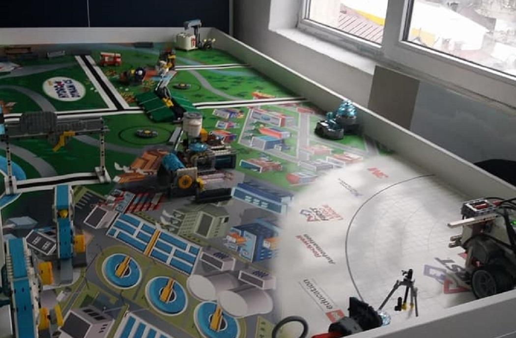Roboţii creaţi de elevi participă la numeroase concursuri