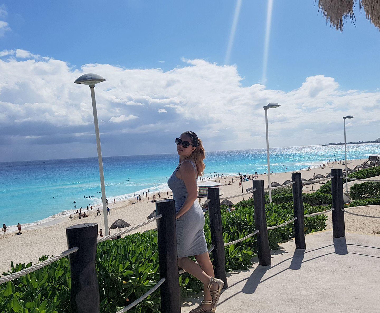 Ioana se relaxează la Cancun, în Mexic