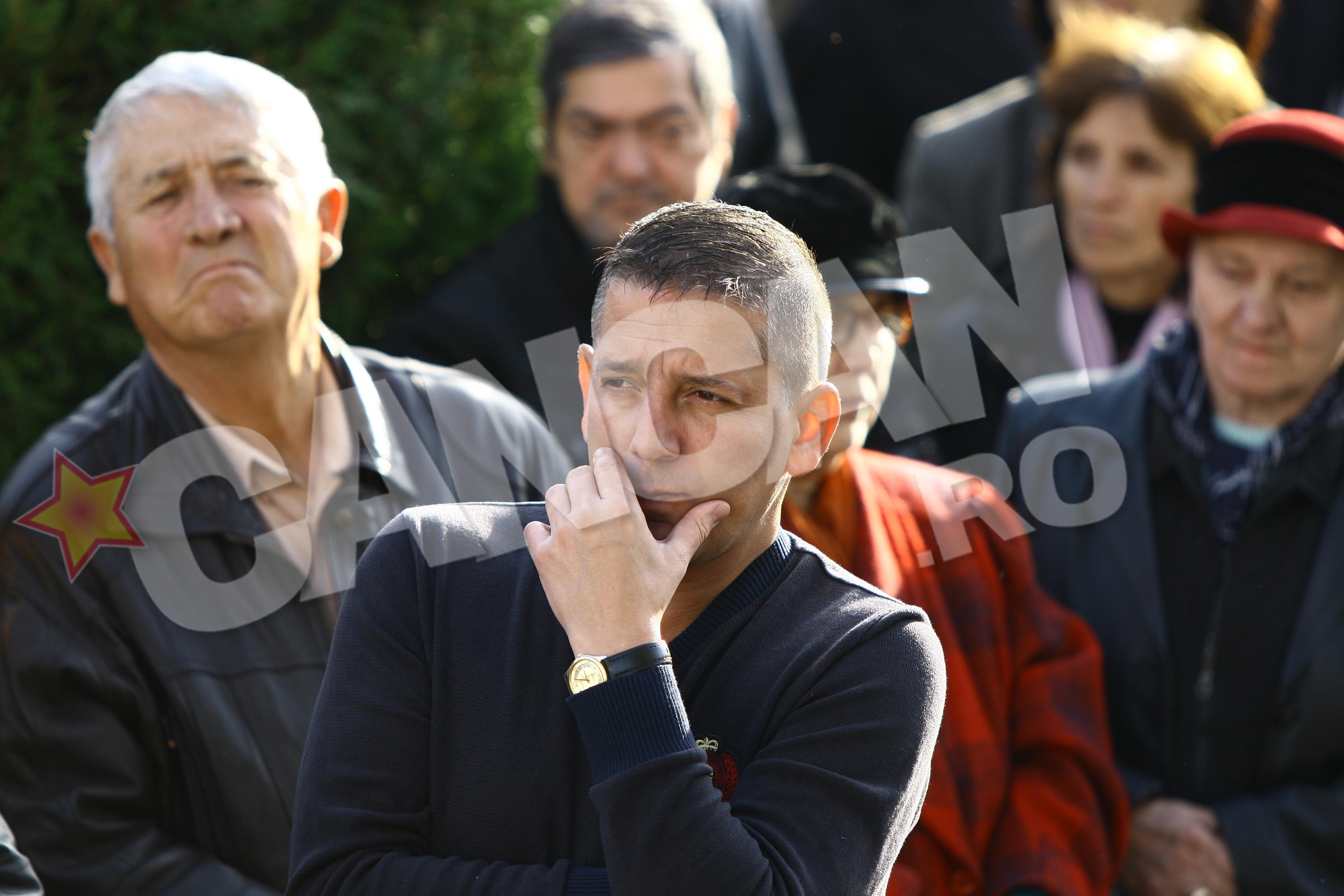 Costin Marculescu nu si-a dezlipit ochii de pe sicriul lui Iurie Darie