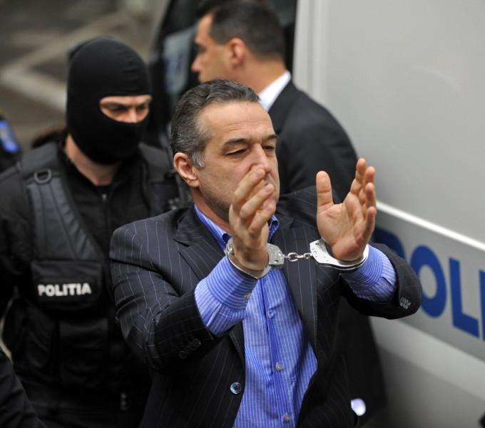 Gigi Becali are de executat in acest dosar trei ani de inchisoare