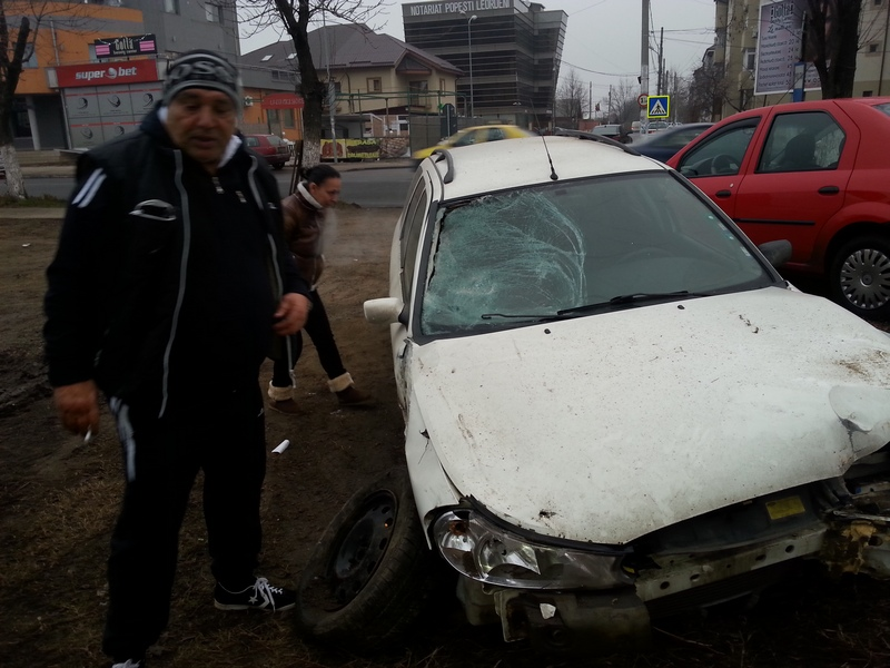 Potrivit politiei soferul care conducea masina, inmatriculata in Bulgaria, avea o alcolemie de 0,49 miligrame alcool in aerul pur respirat