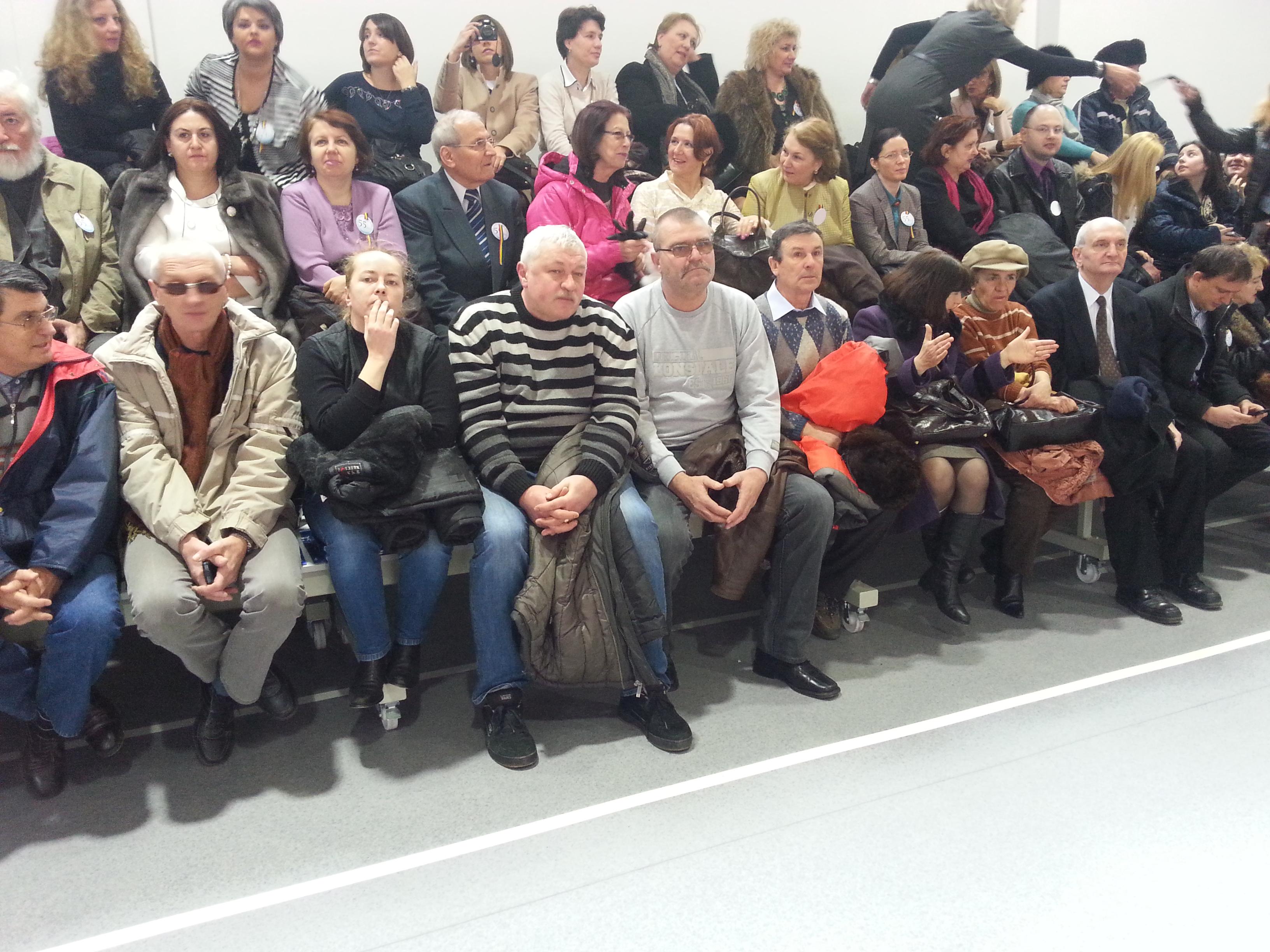 La inaugurare a fost prezent si tatal marelui handbalist Marian Cozma, Petre