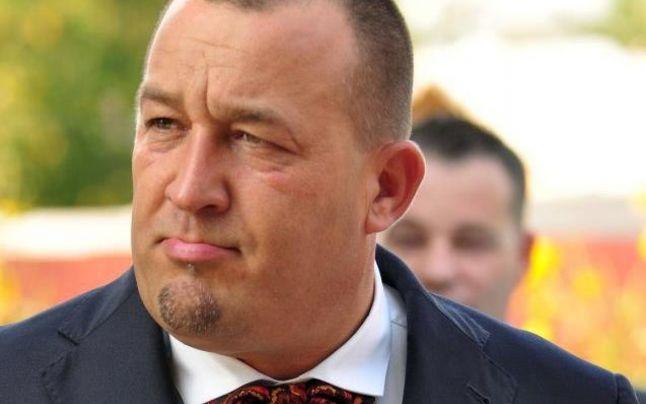 Nicolae Cantemir a ajuns la capatul rabdarilor dupa ce i-au disparut 150.000 de euro din banca sursa foto: adevarul.ro