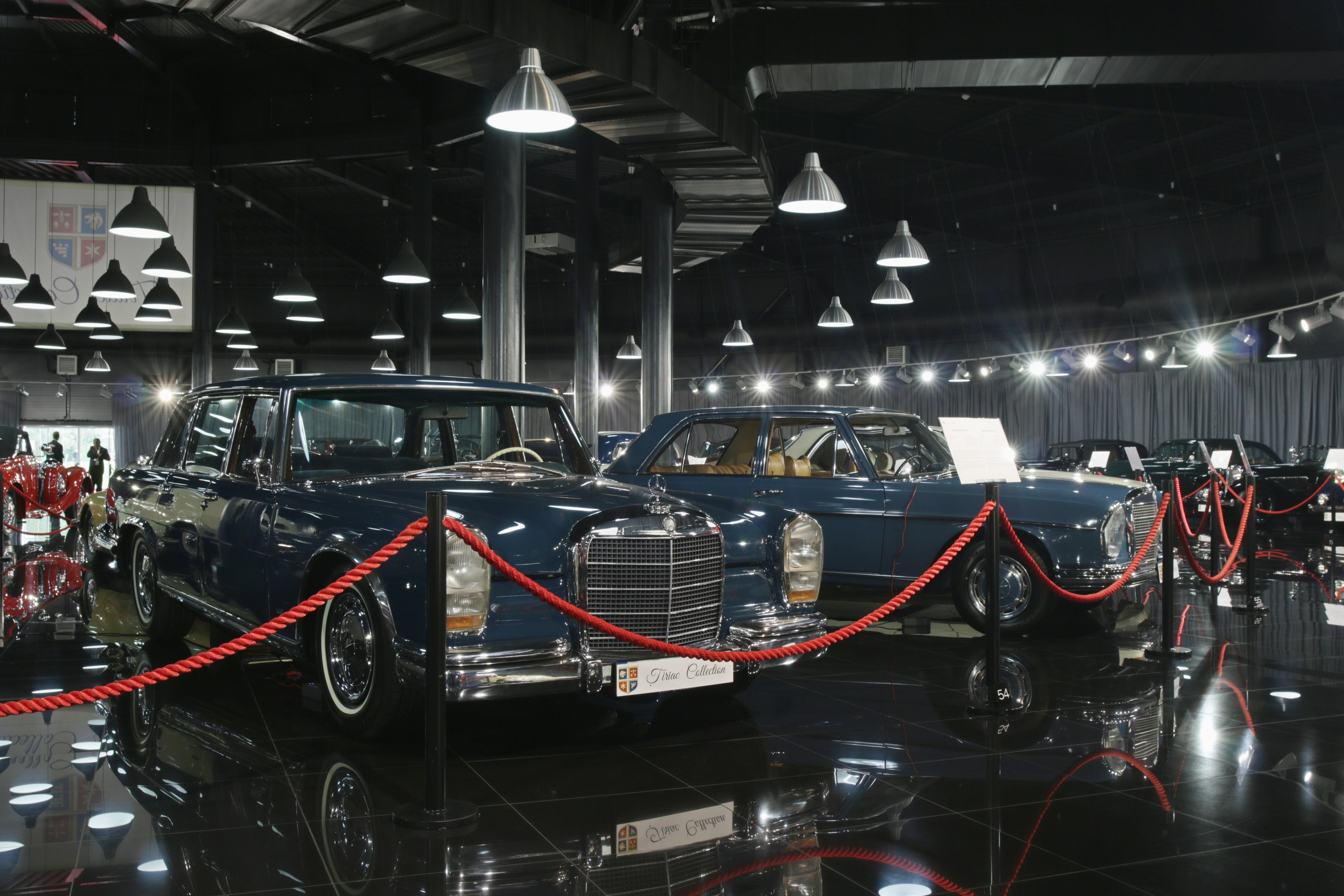 Doua dintre masinile de suflet ale omnului de afaceri sunt doua bijuterii Mercedes 600 si respectiv 600 Pullman