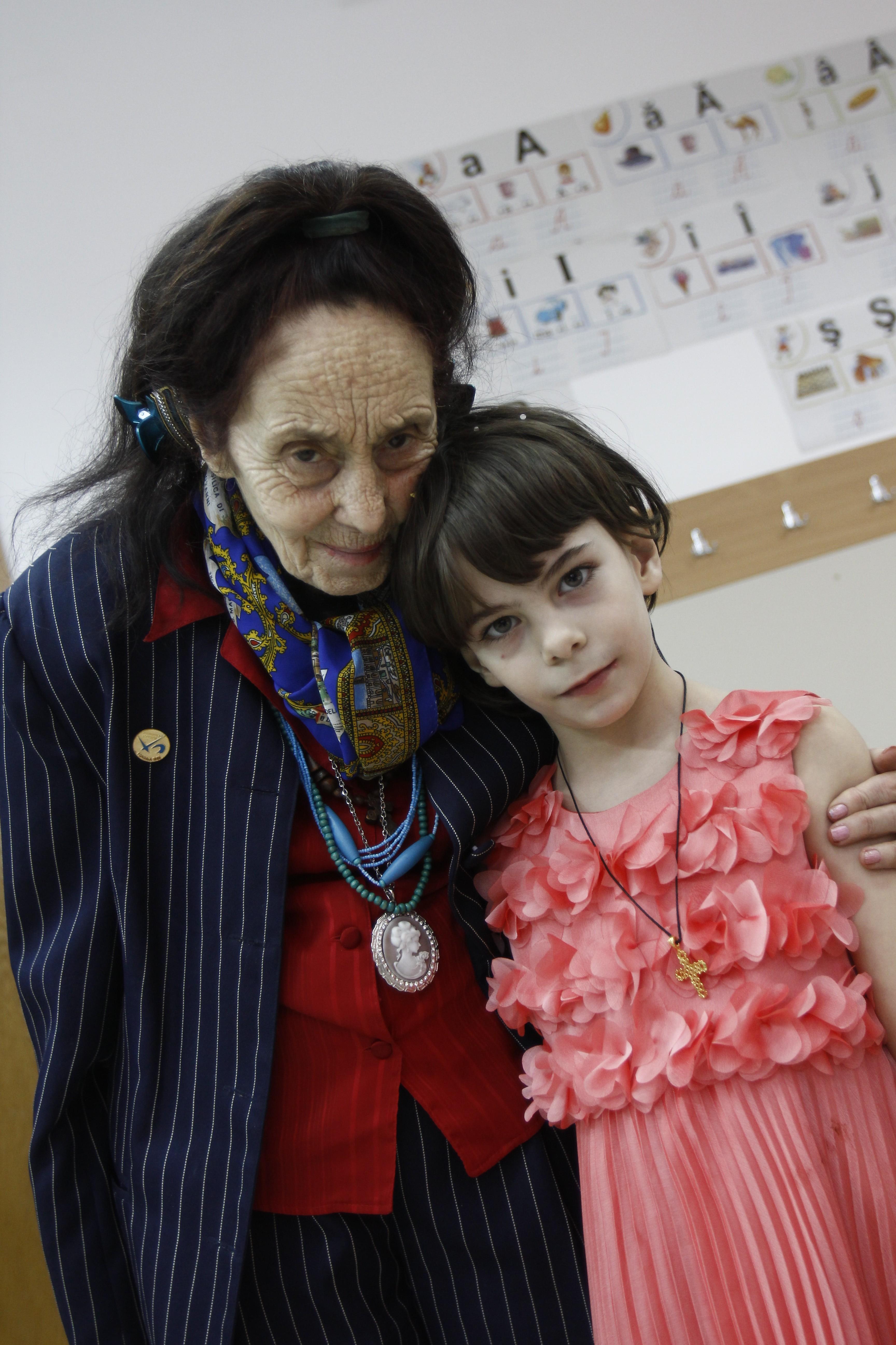 Adriana Iliescu a intrat in Cartea Recordurilor dupa ce a devenit mama la varsta de 67 de ani. Acum, fetita ei, Eliza, are 9 ani