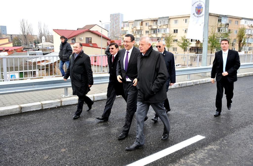 Premierul sustine ca el si Sorin Oprescu au ramas singurii candidati pe care stanga i-ar putea sustine la alegerile din toamna acestui an