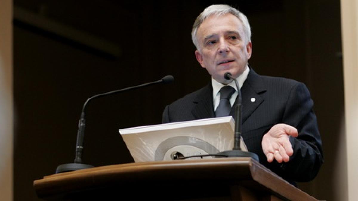 Mugur Isarescu isi doreste un nou mandat la BNR, motiv pentru care nu este interesat de Presedintie