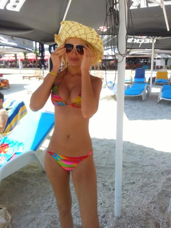 Scriitoarea a facut furori pe plajele din Mamaia