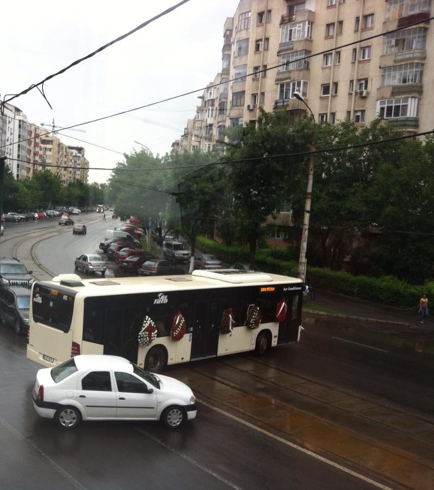 Autobuzul a fost