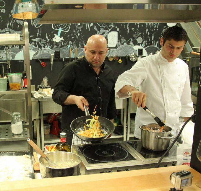 Stelian Oprea si-a inceput cariera alaturi de chef Catalin Scarlatescu